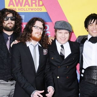 Fall Out Boy in 2008 MTV Video Music Awards - Arrivals