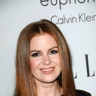 Isla Fisher in ELLE Magazine's 15th Annual Women in Hollywood Tribute - Arrivals - BBC-000460