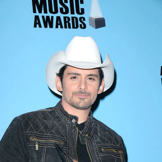 Brad Paisley in 2008 American Music Awards - Press Room