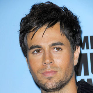 Enrique Iglesias in 2008 American Music Awards - Press Room