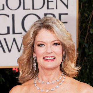 Mary Hart in 66th Annual Golden Globes - Arrivals