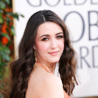 Madeline Zima in 66th Annual Golden Globes - Arrivals
