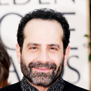 Tony Shalhoub in 66th Annual Golden Globes - Arrivals