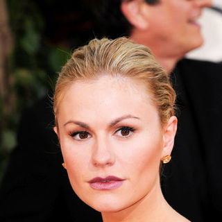 Anna Paquin in 66th Annual Golden Globes - Arrivals