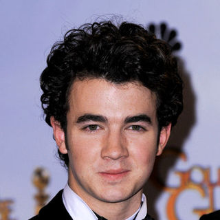 Kevin Jonas, Jonas Brothers in 66th Annual Golden Globes - Press Room