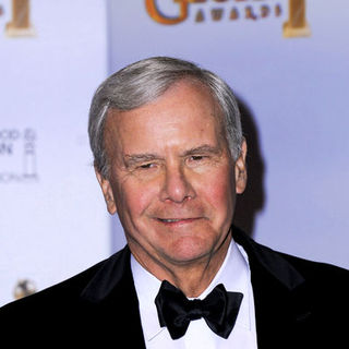 Tom Brokaw in 66th Annual Golden Globes - Press Room