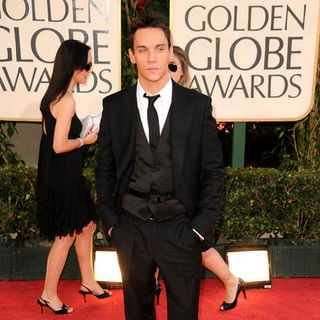 Jonathan Rhys-Meyers in 66th Annual Golden Globes - Arrivals