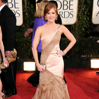 Isla Fisher in 66th Annual Golden Globes - Arrivals - BBC-001632