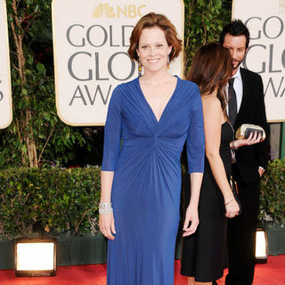 Sigourney Weaver in 66th Annual Golden Globes - Arrivals