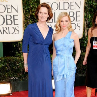 Sigourney Weaver, January Jones in 66th Annual Golden Globes - Arrivals
