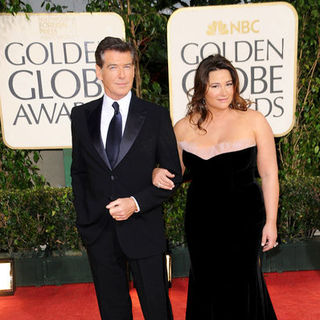 Pierce Brosnan, Keely Shay-Smith in 66th Annual Golden Globes - Arrivals