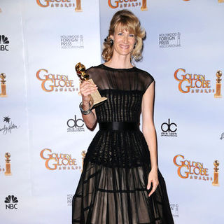 Laura Dern in 66th Annual Golden Globes - Press Room