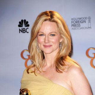 Laura Linney in 66th Annual Golden Globes - Press Room