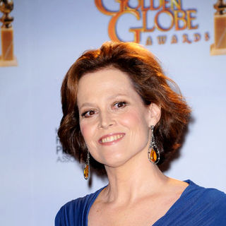 Sigourney Weaver in 66th Annual Golden Globes - Press Room