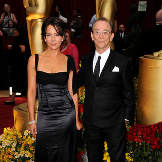 Jennifer Grey, Joel Grey in 81st Annual Academy Awards - Arrivals