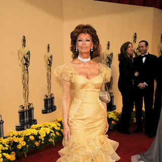 Sophia Loren in 81st Annual Academy Awards - Arrivals