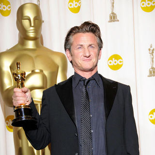 Sean Penn in 81st Annual Academy Awards - Press Room