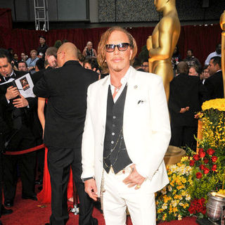 Mickey Rourke in 81st Annual Academy Awards - Arrivals