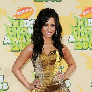 Demi Lovato in Nickelodeon's 2009 Kids' Choice Awards - Arrivals