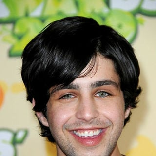 Josh Peck in Nickelodeon's 2009 Kids' Choice Awards - Arrivals