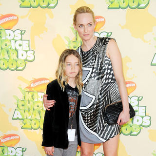 Amber Valletta in Nickelodeon's 2009 Kids' Choice Awards - Arrivals