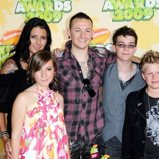 Chester Bennington, Talinda Bentley in Nickelodeon's 2009 Kids' Choice Awards - Arrivals