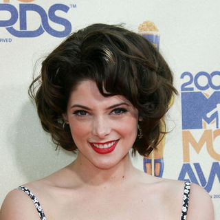 Ashley Greene in 18th Annual MTV Movie Awards - Arrivals