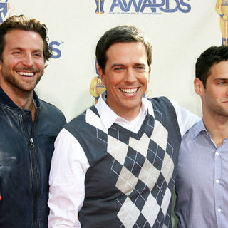 Bradley Cooper, Ed Helms, Justin Bartha in 18th Annual MTV Movie Awards - Arrivals