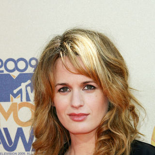 Elizabeth Reaser in 18th Annual MTV Movie Awards - Arrivals