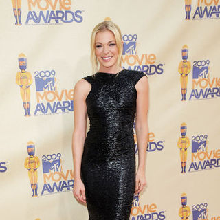 LeAnn Rimes in 18th Annual MTV Movie Awards - Arrivals