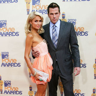 Paris Hilton, Doug Reinhardt in 18th Annual MTV Movie Awards - Arrivals