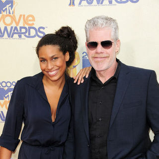Ron Perlman, Blake Perlman in 18th Annual MTV Movie Awards - Arrivals