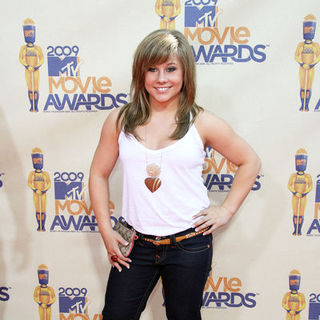 Shawn Johnson in 18th Annual MTV Movie Awards - Arrivals