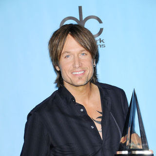 Keith Urban in 2009 American Music Awards - Press Room