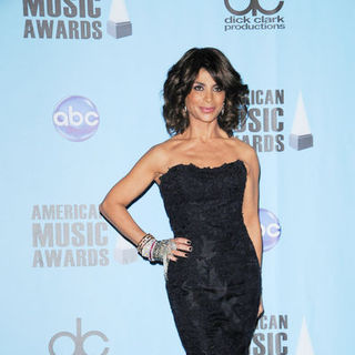 Paula Abdul in 2009 American Music Awards - Press Room