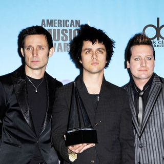Green Day in 2009 American Music Awards - Press Room