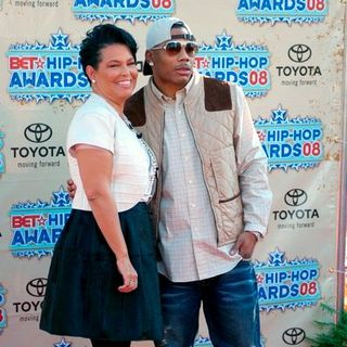 Nelly, Debra L. Lee in 2008 BET Hip Hop Awards - Arrivals