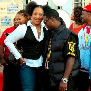 Yung Joc, Lady of Rage in 2008 BET Hip Hop Awards - Arrivals