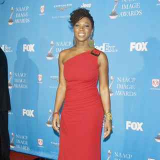 India.Arie in 37th Annual NAACP Image Awards - Red Carpet