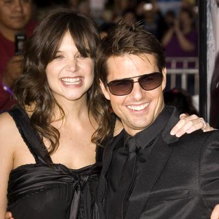 Tom Cruise, Katie Holmes in Mission Impossible III Los Angeles Premiere - Arrivals