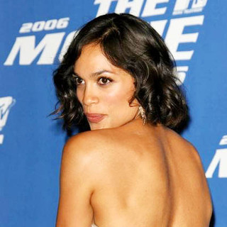 Rosario Dawson in 2006 MTV Movie Awards - Press Room