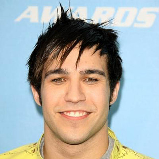 Fall Out Boy in 2006 MTV Movie Awards - Arrivals