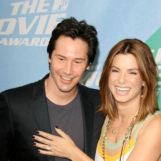 Keanu Reeves, Sandra Bullock in 2006 MTV Movie Awards - Arrivals