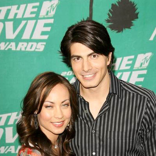 Brandon Routh, Courtney Ford in 2006 MTV Movie Awards - Arrivals