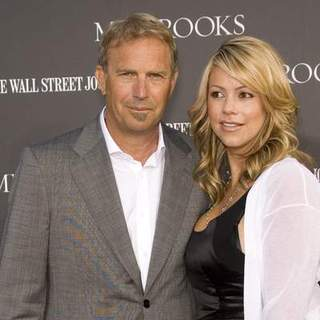 Kevin Costner in Mr. Brooks Los Angeles Premiere - CSH-023574