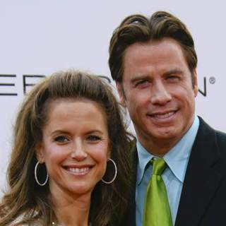Kelly Preston, John Travolta in Los Angeles Premiere of HAIRSPRAY