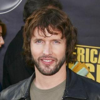 James Blunt in 2007 American Music Awards - Red Carpet