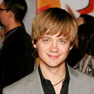 "Jason Earles in ""Bolt"" World Premiere - Arrivals"