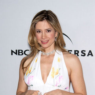 Mira Sorvino in 66th Annual Golden Globes NBC After Party - Arrivals