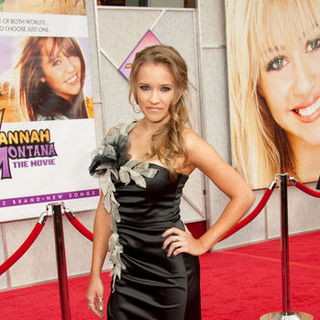 "Emily Osment in ""Hanna Montana: The Movie"" World Premiere - Arrivals"